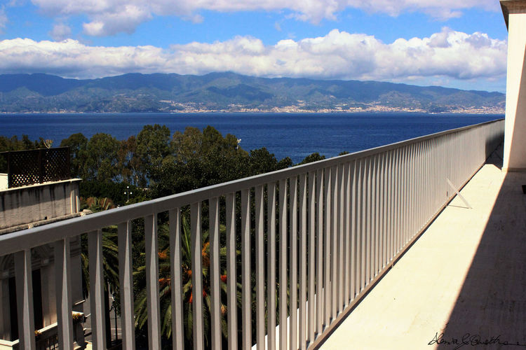 Connection Day Engineering Fence Footpath Italia Italy Lakeshore Modern Museo Archeologico Museonazionalereggiocalabria Outdoors Perspective Pier Railing Reflection ReggioCalabria Riverbank The Way Forward Tree Walkway Water
