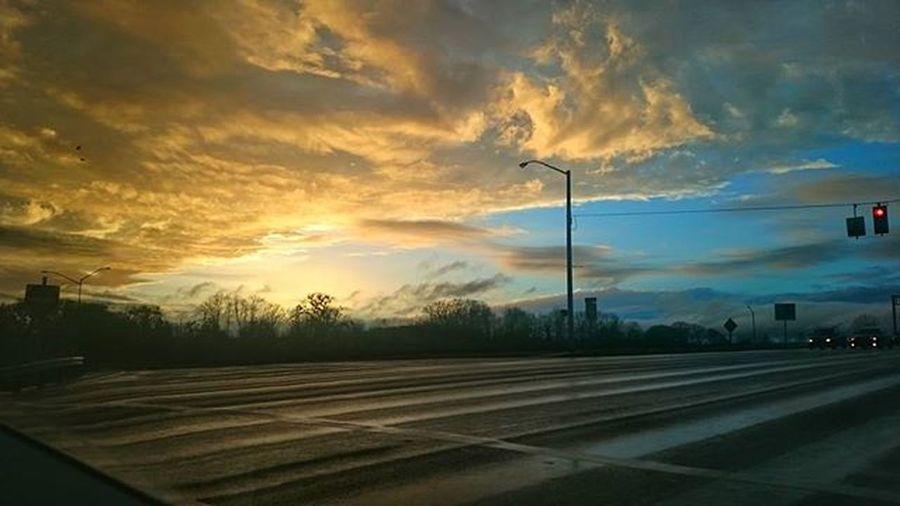 Caught a great sunset on the drive home! PNWonderland Sunset Sky Natureboyphotos Instagood Oregon
