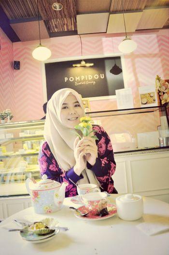 Cafe Tea Cupcakes Fun