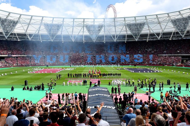 Cheering Claret And Blue Come On You Irons! Coyi Day Football Football Stadium Friendly Grass Juventus Large Group Of People Leisure Activity Lifestyles London Stadium Mixed Age Range Outdoors Soccer Stadium Tunnel West Ham Fans West Ham Utd