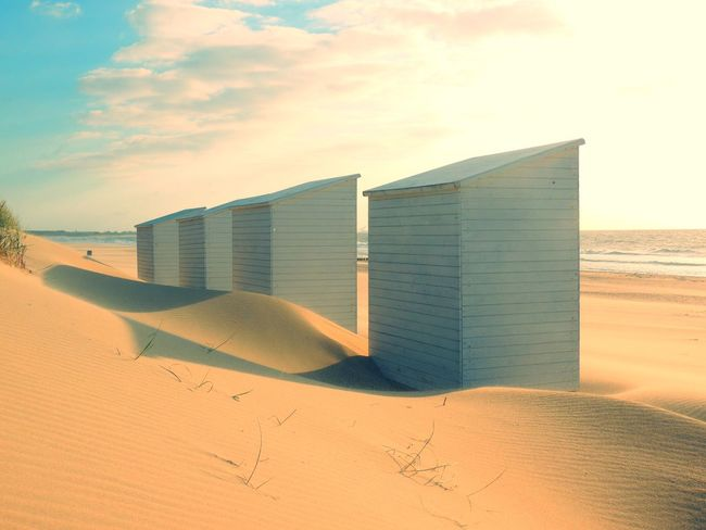 Beach Cabins Beach Beach Cabins Beauty In Nature Day Feather  Küste Nature No People Nord Nordseeküste Outdoors Sand Sand Dune Sea Sky Streetphotography