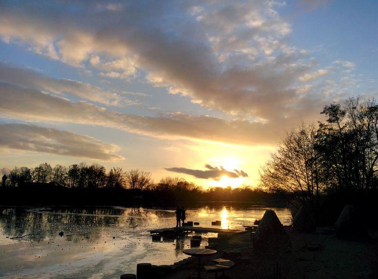 Abendstimmung am See Landscape View Ausblick Auf Fluss Evening Light Romantic Place City Life Postcard Picture Best EyeEm Shot Sunset Reflection Tree Water Lake Cloud - Sky Beauty In Nature Outdoors