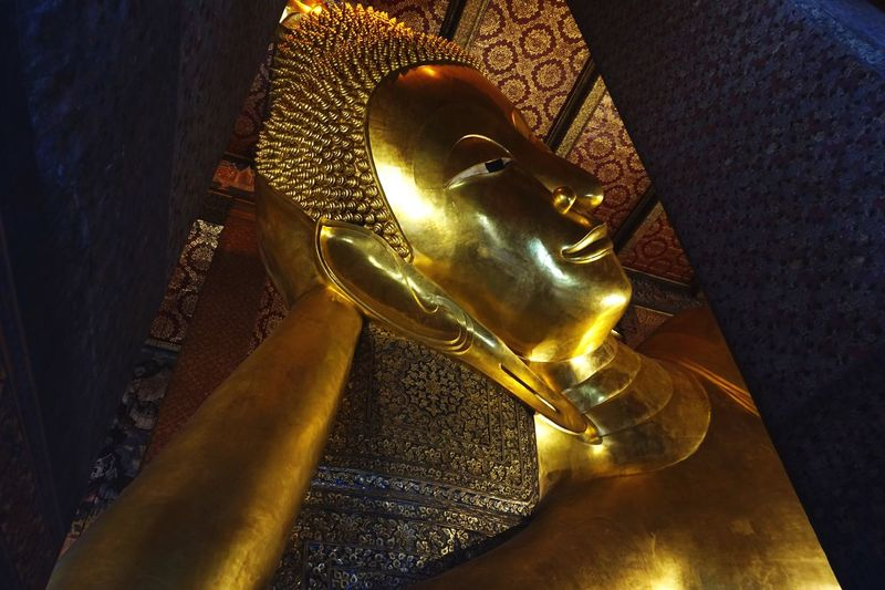 Enjoying Life Still Life Peaceful Colorful Hello Asia Details Canon Click Click 📷📷📷 Taking Pictures Traveling Buddha Statue Hello Bangkok Thailand🇹🇭 Hello World Hello Thailand Gold Colored Sculpture Statue Religion Art And Craft Representation Human Representation Belief Spirituality Indoors  Gold Shiny Craft Close-up High Angle View