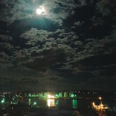 Moonlight Sea And Sky Port