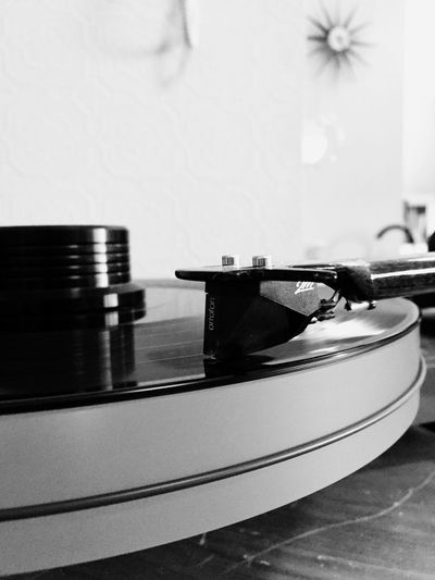 Old music is the best 🎶🎶 IPhoneography Blackandwhitephoto Blackandwhite Music Equipment Record Turntable Arts Culture And Entertainment Audio Equipment Musical Instrument Close-up Retro Styled Record Player Needle Focus On Foreground Technology