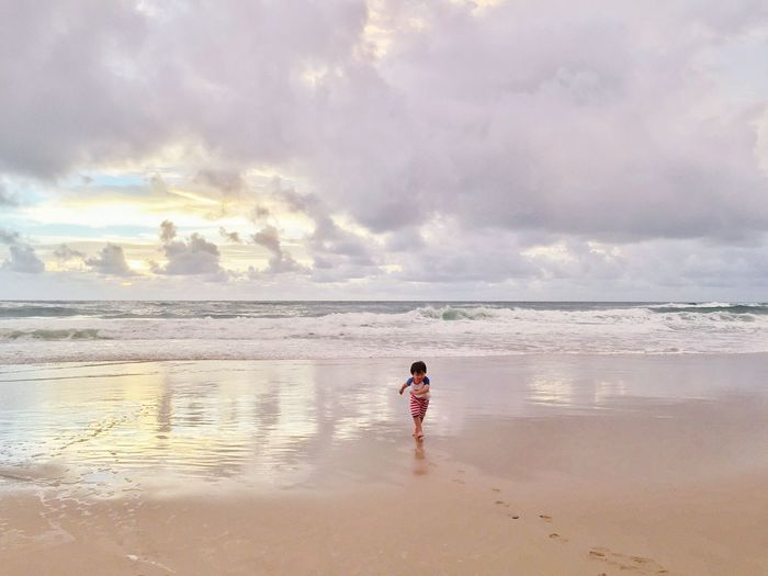 • Free ... dom • Capturing Freedom Nature On Your Doorstep Sunrise Sky Beach The Moment - 2015 EyeEm Awards The Great Outdoors - 2015 EyeEm Awards Kidsphotography EyeEm Kids Open Edit