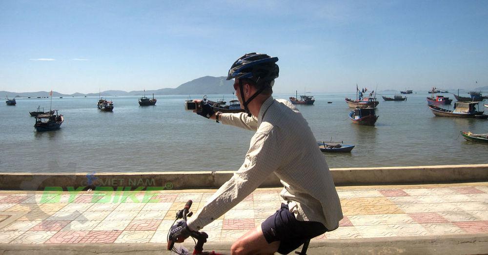 Biking Vietnam Cycling Across Vietnam Tour Cycling Coastal Vietnam Cyling Hanoi To Ho Chi Minh City Holiday Vietnam With Bicycle Mekong Delta Tours Tour In Vietnam Vietnam Cycle Tours Vietnam Cycling Adventure Travel