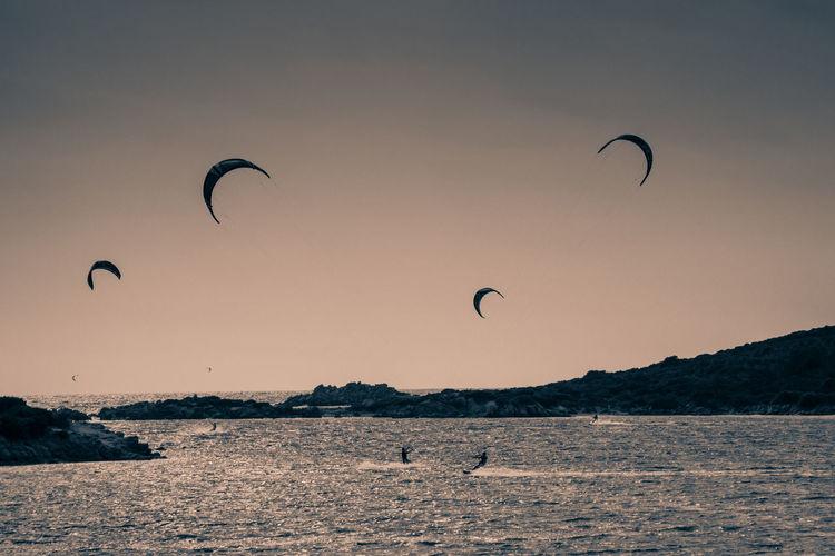 Kite surf | 2014 Beige Clear Sky Cliffs Corsica Esta Kite Kite Surfing Kiteboarding Kitesurf Kitesurfers Kitesurfing Monochromatic Monochrome Monocrome New Sportwatch Postprocessing Sport Sunset Vignette Windsurf
