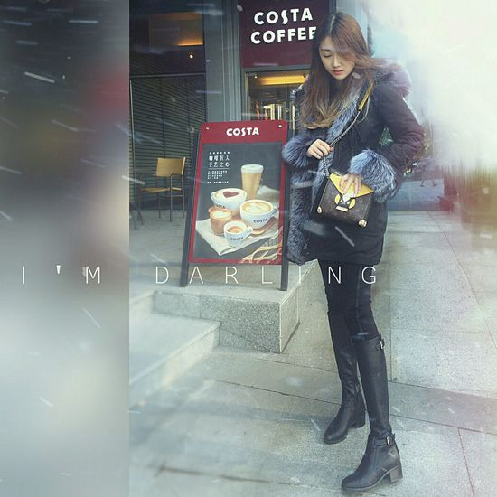 Hanging Out Taking Photos Model Today's Hot Look Street Style Louis Vuitton Moncler Cold Beauty That's Me