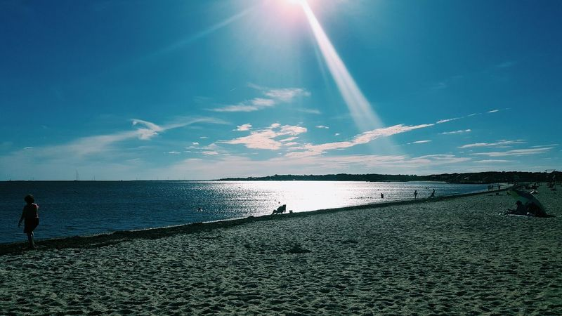 Enjoying this sunny day ☀ Beach Enjoying Life Livingthegoodlife Outdoors Sea Sky Sun Sunbeam Tranquil Scene Tranquility Water Horizon Over Water Beauty In Nature Nature Scenics Cloud - Sky People One Person Day Star - Space Adult Adults Only