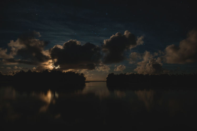 Moon Nights Cook Islands Atiu Darkness Dramatic Sky Islands Moon MoonNights Night Photography Night Walks Aitutaki Clouds And Sky Cook Islands Dark Beauty Darkness And Light Fullmoon Haunting  Island Longtimeexposure Moonlight Moonrise Mysterious Mystical Nightscape Nightsky Rarotonga Stars