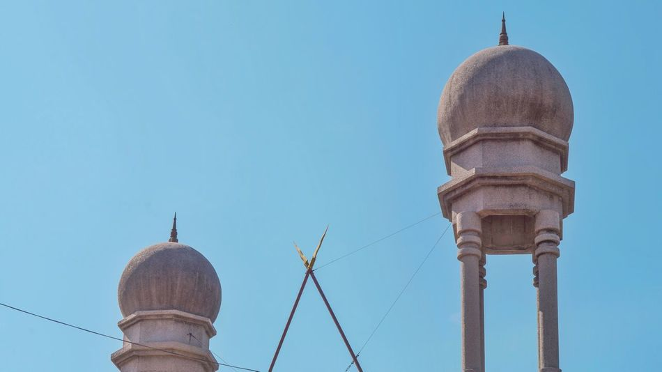 Which one is taller? Heritage Blue Sky Minimal Minimalist Architecture EyeEm Selects City Dome Place Of Worship Blue Sky Architecture