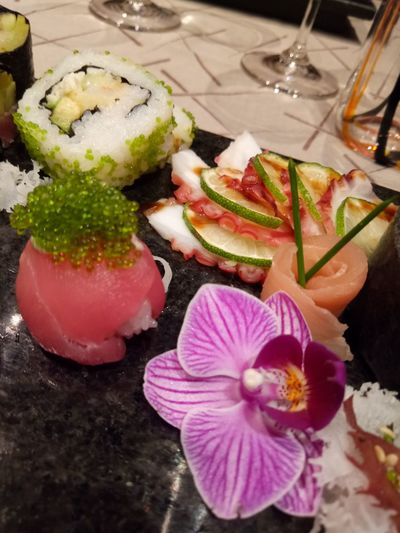 Freshness High Angle View Indoors  No People Flower Table Food And Drink Healthy Eating Drink Ready-to-eat Day Close-up Nature Flower Head sushi Asian Food Japanese Food Food And Drink Refraction