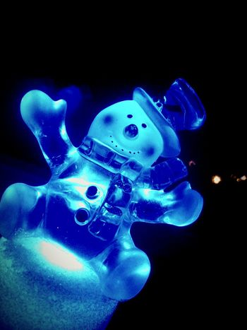 People Watching Hugging A Tree Relaxing Love Christmas Lights Happy People Family❤ Presents Snowman Happynewyear