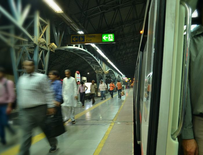 Metro Metro Station Delhi Run Motion Speed Daily Life People
