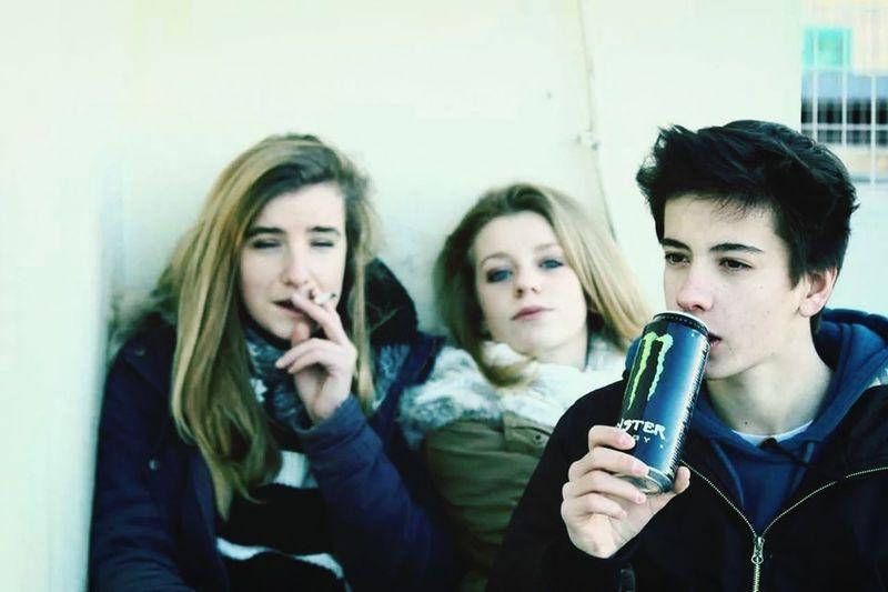 Friends Smoke Drink Street Photography