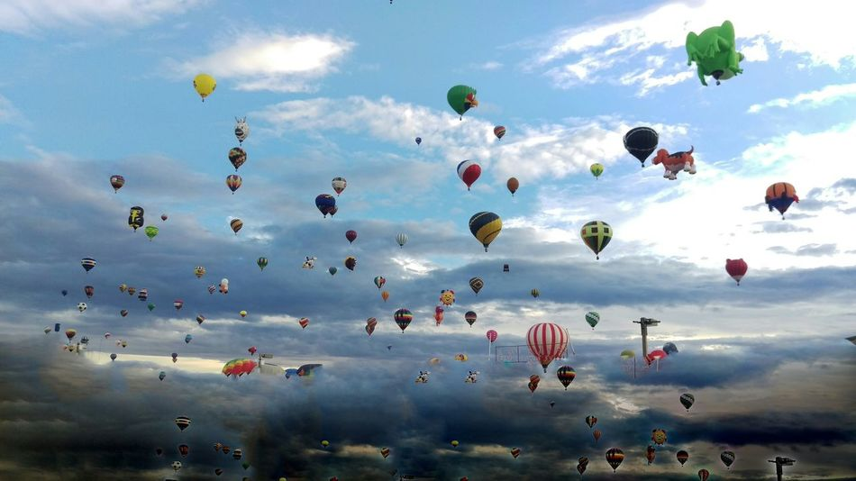 Worlds largest International Balloon Fiesta in Albuquerque, NM Newmexico Albuquerqueballoonfiesta Enjoying Life Abqphotos Balloonfiesta  Albuquerque Onlyinnewmexico Check This Out