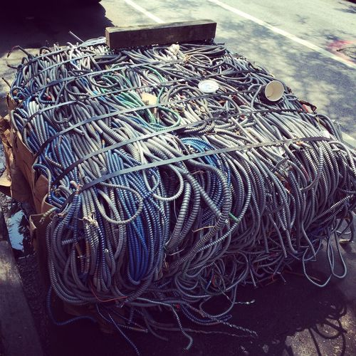 Culture Detail Electrical Ar Electricalsky Garbage Or Art? NYC Photography Rope Textured  Urban Context Wiring