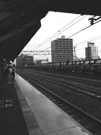 手の掛かる相談対応で、遅くなりました。帰ります。🚃👋 Public Transportation Railway Station Train Station Go Home Rainy Day