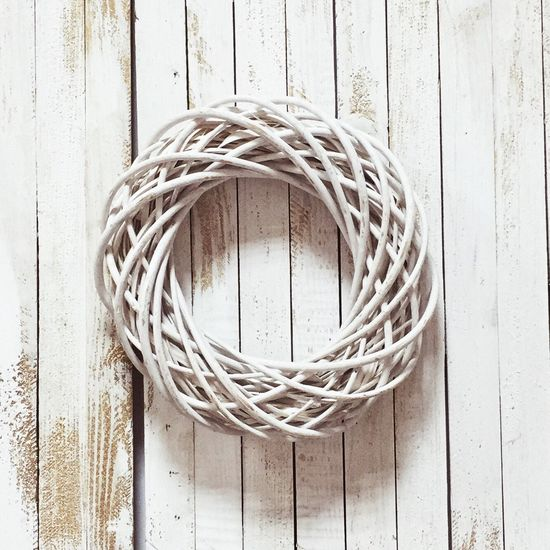 White IPS2016White Ring Wooden Easter Ready On The Wall Object No People Complexity Wicker Circle Connection Directly Above Geometric Shape Single Object Still Life Wood - Material Wreath