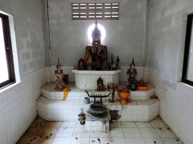 Buddha Religion Ao Noi Temple Walking Around Real Thailand Sunny Day 🌞 EyeEm Selects EyeEmNewHere Prachuap Khiri Khan PrachuapKhiriKhan Thailand Happy Summer