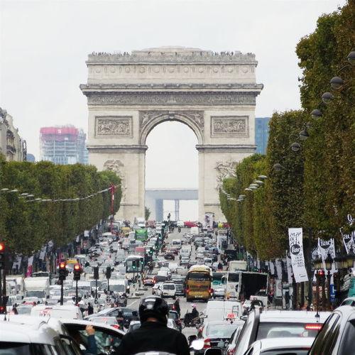 Traffic jam on the Champs Elysee Paris, France  Paris Traffic Jam Traffic Cars ParisianLifestyle Champs-Élysées  Champselysées Arcdetriomphe