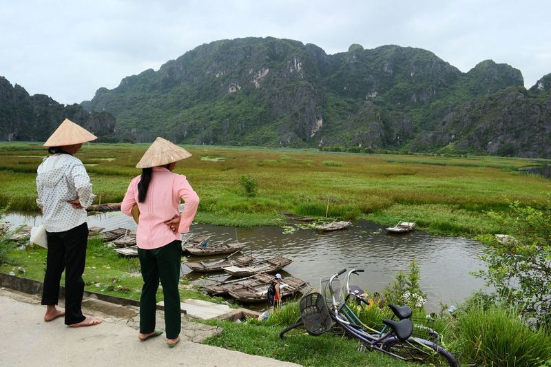 Mountains Halongbay Vietnamese Tranquil Scene Vietnam