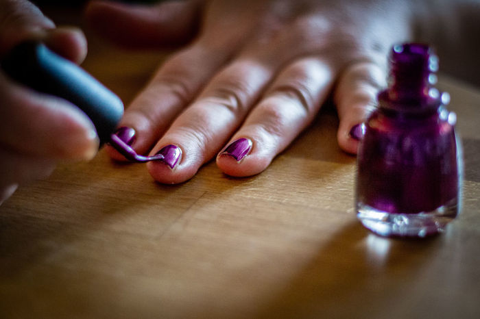 Nail polish Adult Close-up Day Human Body Part Human Hand Indoors  Nail Polish One Person People Real People Table