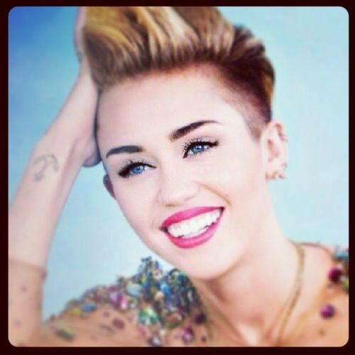 She is my favorite singer <3 ... And wrecking ballllll Miley Favorite Beautiful Wrecking ball love