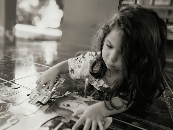 One Person One Girl Only Concentration People Playing Children Only Puzzle  Puzzle Time Puzzle Time!!!! Costa Rica Costa Rica❤ Perez Zeledon Pérez Zeldon