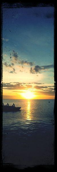 Coucher de soleil sur Kourou depuis l'île Royale.