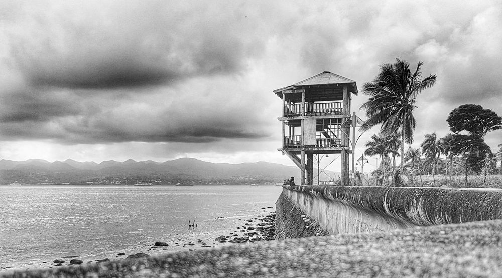 The old lighthouse. Snapseed Fiji Samsung Galaxy S7 Mobilephoto Blackandwhite Lighthouse Old