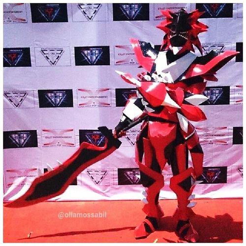 My Brother @azlanta.di Asian Festival Banjarmasin with Kostum Cosplay Buatannya Sendiriii !! … Awesome ヽ(^。^)ノ tanpa konsep dan ini kostum Pertamanyaaaa!! Im Proud with youuu Brother ╭(′▽‵)╭(′▽‵)╭(′▽‵)╯ BTW kostum disewakan lhooo ∩__∩ … Cosplay Cosplayer Banjarmasin Bjm palangkaraya kostum costum karakter game gamers japan jepang dragon manga asianfestival 2014 kostumcosplay cosplaycostum cosplay2014 molome