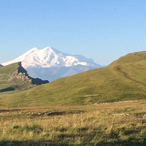 Эльбрус утром. mountains, plateaus, steppe, rock, Russia, Elbrus Mountains Caucasus