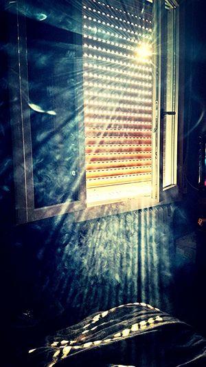 Sunbeams Ray Smoke Room Bedroom Bedroom Window Window Sole Raggi Raggi Di Sole Fumo Sunset Photo Pic Of The Day Finestra
