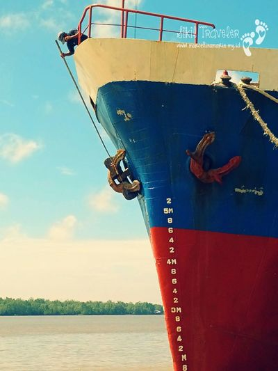 Working paint the ship Boat Paint Ship Nature EyeEm Indonesia Working Sikil Traveler