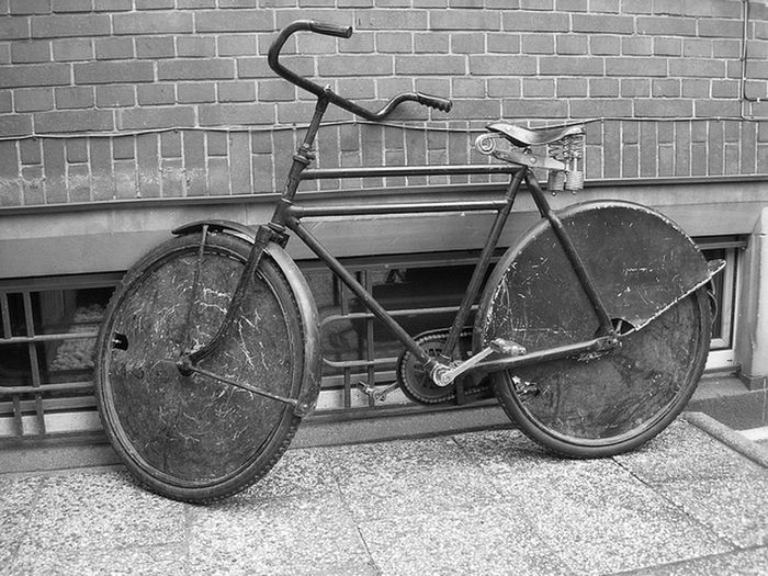 Batavus Lastenfahrrad. Old bike from the Netherlands. From the sixties. Mad Max look. Batavus Transportfiets Werkfiets Hollandfiets Huubvanhughten Batmobile The Netherlands