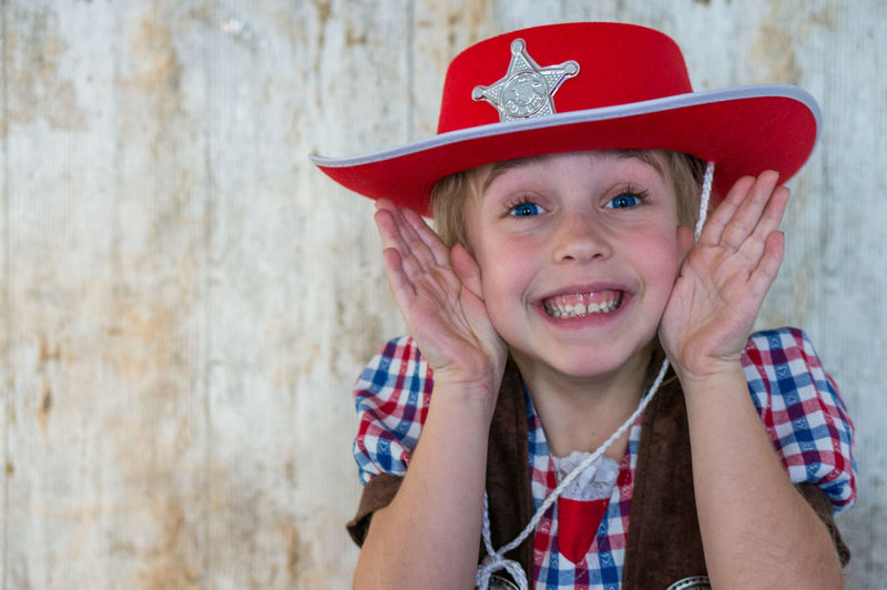 peekaboo!!!! Beatuiful Child The Portraitist - 2016 EyeEm Awards Childhood EyeEm Gallery Front View Happiness Hat Innocence Kids Kids Being Kids Kidsphotography Laughing Lovely Peekaboo Photooftheday Playful Sherrif Smile Girl Cowgirl Carnaval Uniqueness Carnival Crowds And Details