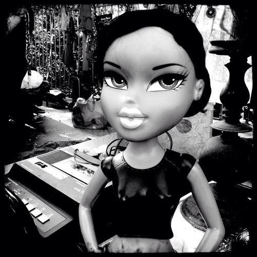 Doll Secondhand Trade B.w Oumartall