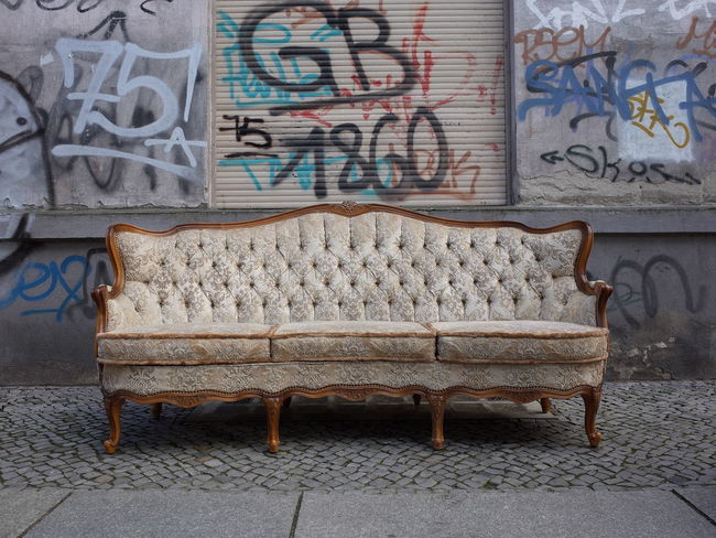 Antique Sofa Backgrounds Building Exterior Chesterfield City City Holiday City Street City Style Cover Holiday Lifestyles Lounge Old School Outdoors Relax Settee Shabby Chic Sitting Sitting Outside Sitting Pretty Sofa SOFA TIME Street Photography Urban Vintage Sofa