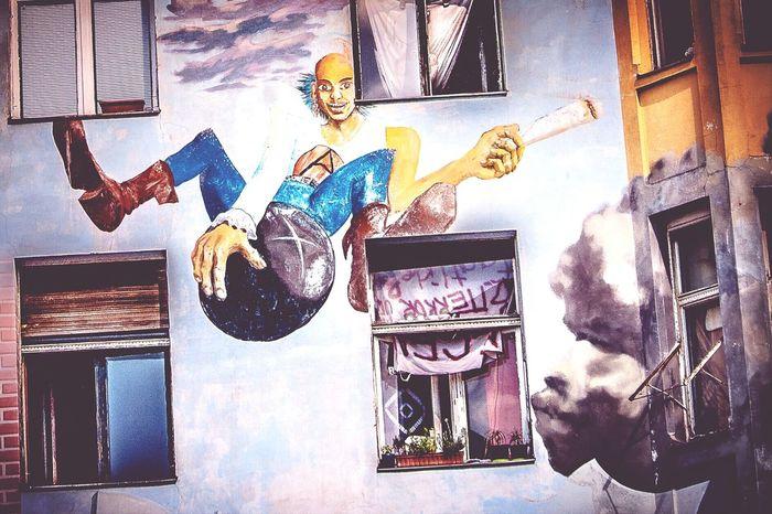 Alternative Living Tommy-Weißbecker-Haus Legalize It! Streetart