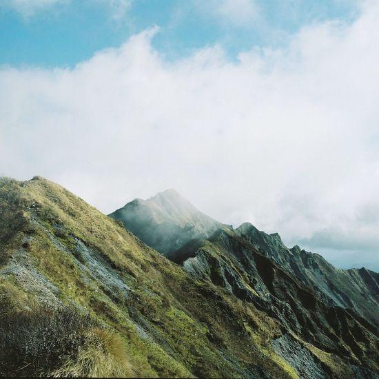 烟る山(伯耆大山剣ヶ峰) Film Film Photography Hasselblad Nature Mountains フィルム フィルム写真 大山 伯耆大山 剣ヶ峰