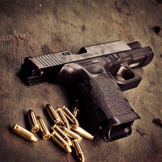 GLOCK Glock17 9mm Glockinc Glocknation Glockporn Glockfanatics Glockperfection Gunspictures Gun_religion Gunsdaily1 Firearms Firearmphotography Daily_badass Glocksofinstagram Weaponsfanatics Weaponsdaily