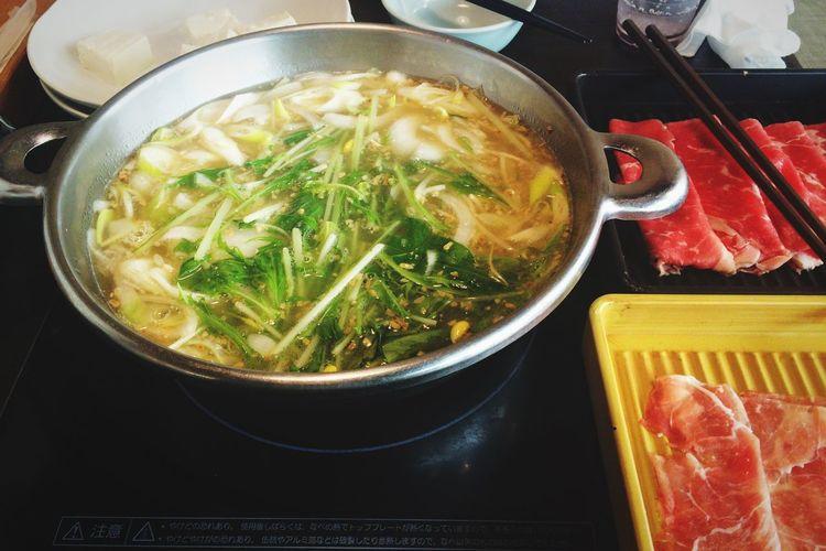 今日のランチはお鍋です♪塩トンコツスープ最高! EyeEm OneCam Lunchtime