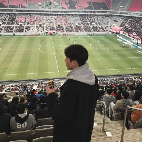 Stadium Soccer Sport Crowd Spectator Audience Bleachers Fan - Enthusiast Competition Large Group Of People American Football - Sport Soccer Field Cheering Soccer Player Sports Team People Adult American Football Field Outdoors