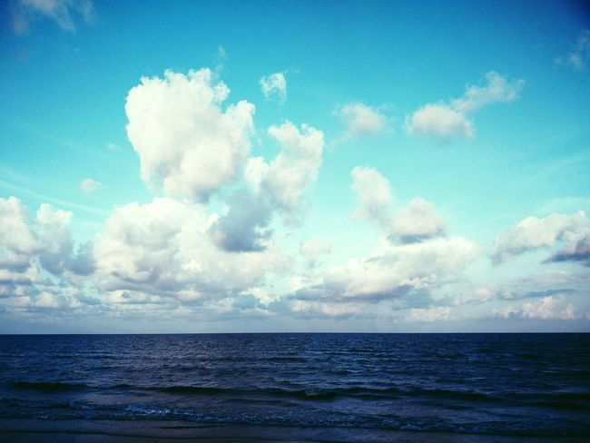 The Edge Of No Edge Sea Cloud - Sky Water Horizon Over Water Nature Outdoors Sky Scenics No People Beach Tranquility Landscape Blue Day Beauty In Nature Pastel Colored Vacations