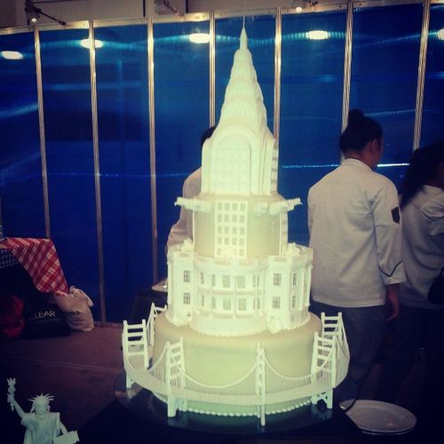 HOME OF THE BRAVE :D LPU's cake deco entry . CakeDeco MAFBEX2013 Chryslerbuilding Whitehouse GoldenGateBridge American WorldClass