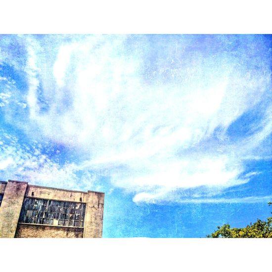Universal Studios Hollywood Backlot Tram • Clouds And Sky Skyporn • Brick Building Windowpanes