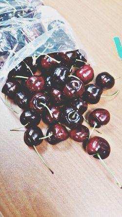 Fresh Juicy Cherries Delicious Moretocome !!