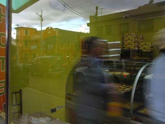 Window People Eyeemphotography EyeEm Gallery Streetphotography Exploracionurbana Magnumphotos Outdoors Everydayecuador Reflejos Reflections
